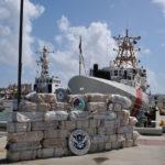 Beschlagnahmtes Kokain  Bild (Ausschnitt): ©  Coast Guard News [CC BY-NC-ND 2.0]  - Flickr