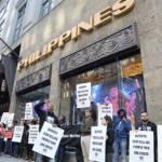 Protest vor dem philippinischen Konsulat in New York Präsident Rodrigo Duterte löst weltweite Prosteste aus. | Bild (Ausschnitt): ©  VOCAL-NY (Voices Of Community Activists & Leaders) [CC BY 2.0]  - flickr.com