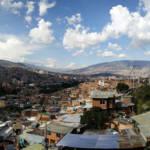 Sicht auf Medellín von der berüchtigten Komune 13 aus  | Bild (Ausschnitt): © Armando Reques  [(CC BY-SA 2.0) ]  - flickr